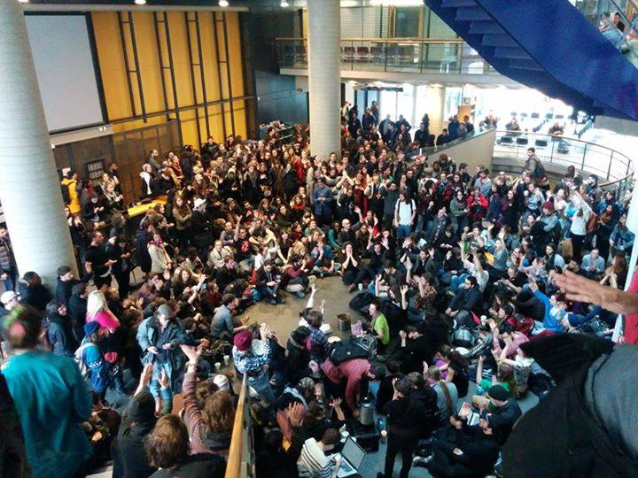 Spontaneous assembly/occupation in the lobby of the Da Sève Building after the arrest of more than 20 protesters defending the strike at UQAM